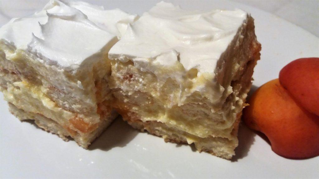 kolač sa kajsijama